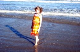 beatrice_on_the_beach_2L